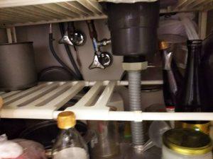 食洗機工事前準備 シンク下片付け